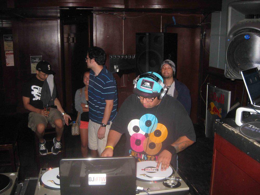 2011_08_04_SkratchLounge-DJ Image (05).jpg
