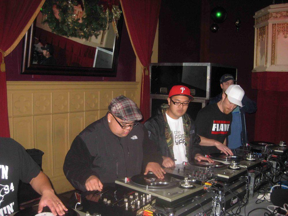 2011_12_01_Skratch Lounge (Tre & Shmix) (2).jpg