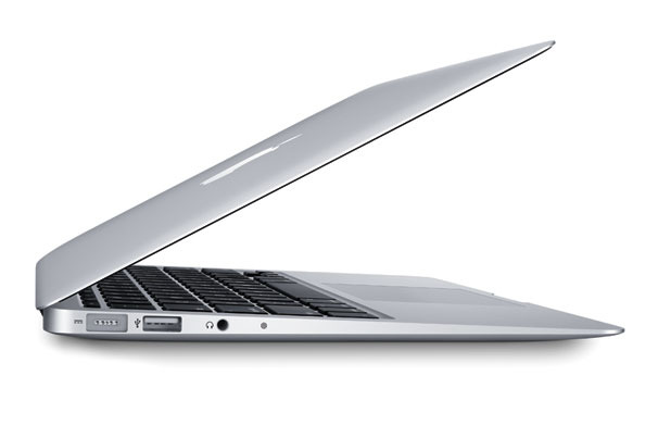 apple_116inch_macbook_air14ghz_64_gb_710257_g2.jpg