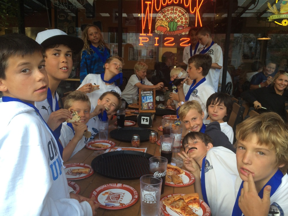 Clockwise from left around the table: Jacob Pappas, Adrien Babet, Noah Clarkson, Axel Hartzog, Lachlan Nagel, Denali Wildera, Kai Owen, Pranav Parekh, Liam Murphy, Tristan Bjork, Tenny Lipscomb, Jack Tuthill, Teilo Wellman-Botzer, Hamish Brown, Julian Doblo.  Somehow obscured: Landon White.