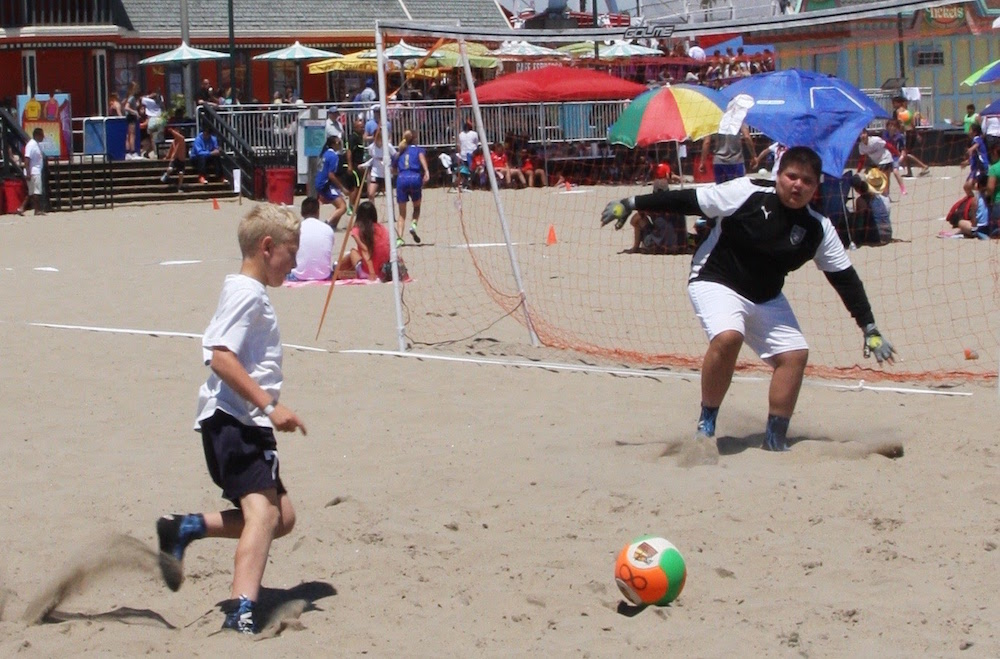 santa-cruz-city-ysc-sharks02-blue-beach-soccer-5.jpg