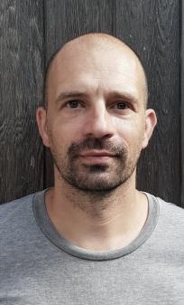 Bernhard De Paepe   zaakvoerder - ontwerper  bernhard@fosfor.be  +32 (0)486 188113