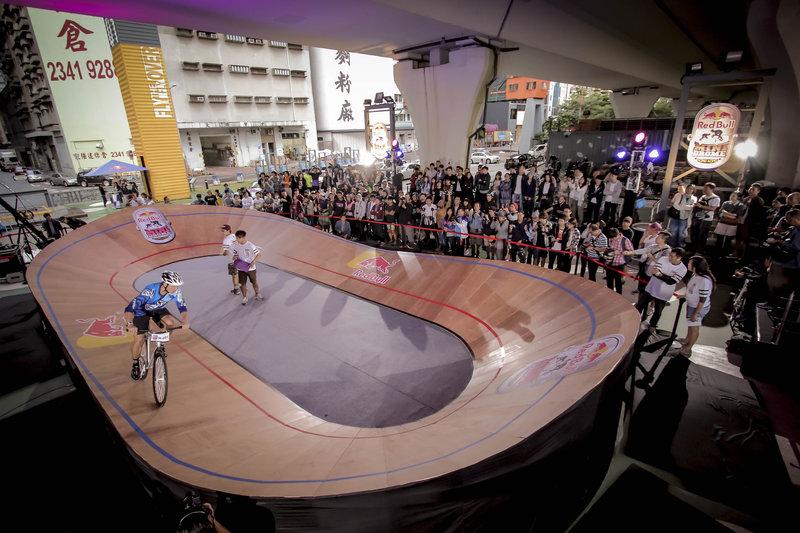 超過-800-名本地單車愛好者到場觀戰.jpg
