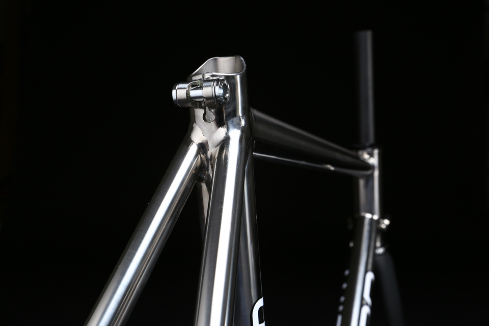 mirror_polished_titanium_bicycle_frame_road_disc_08.jpg