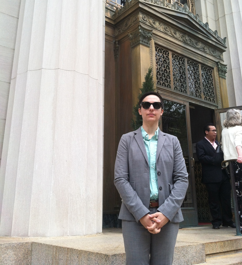 Law clerk (now attorney) Jen Mecum was recently admitted to the New York State Bar. Congratulations, Jen, and nice shades!