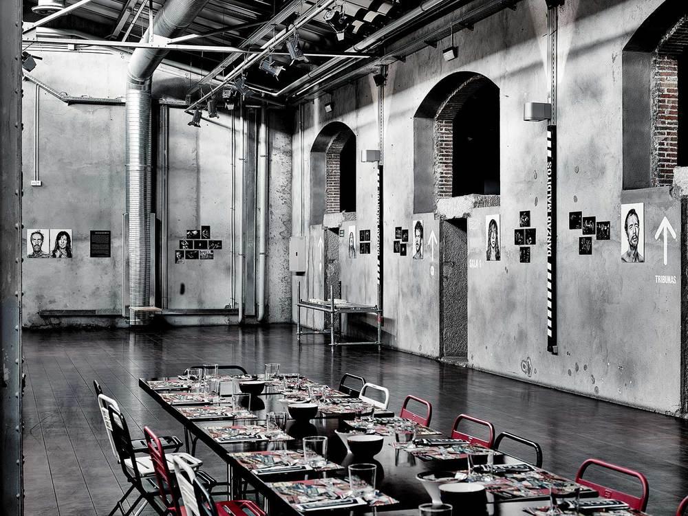 Montaje de la exposición en Sala Café Teatro.