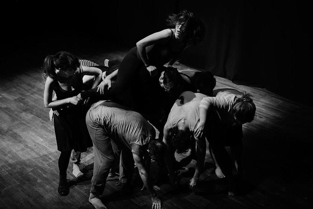 Un ejercicio de grupo, que será de vital importancia en las coreografías creadas para la obra por Alberto Velasco