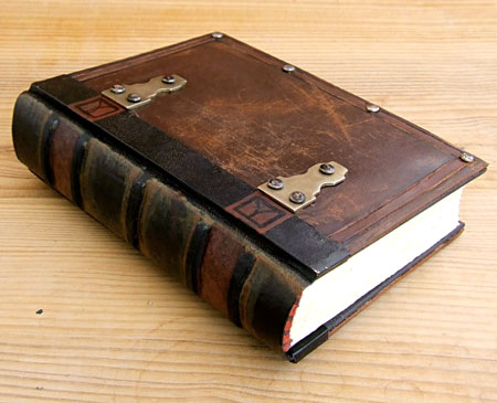 handbound-leather-journal-06.jpg