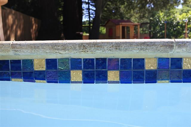 0_Lightstreams_Glass_Pool_Tile_Peacock_Blue_C (8).JPG