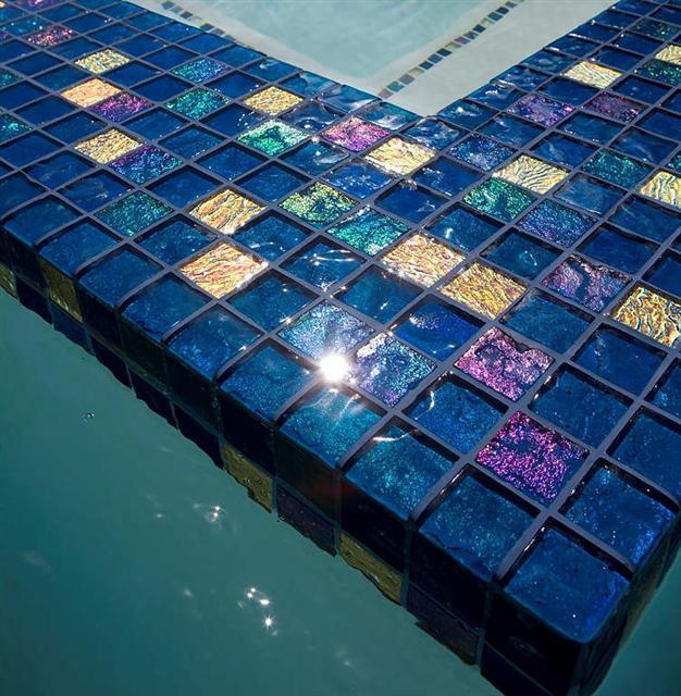 0_Lightstreams_Glass_Pool_Tile_Peacock_Blue_C.JPG
