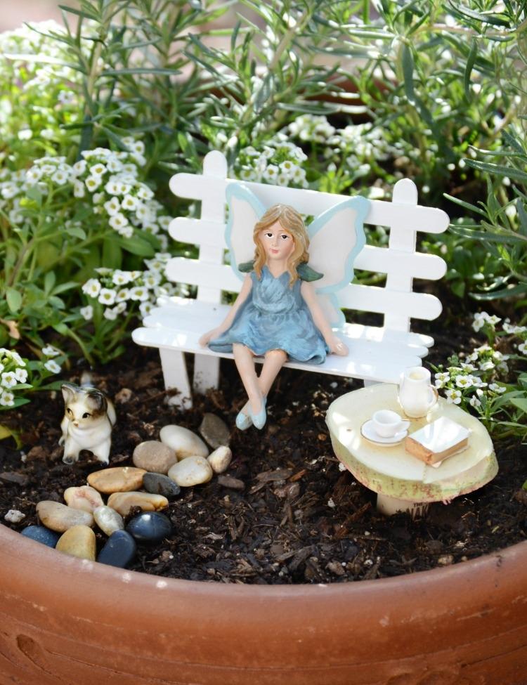 fairy-bench-garden.jpg