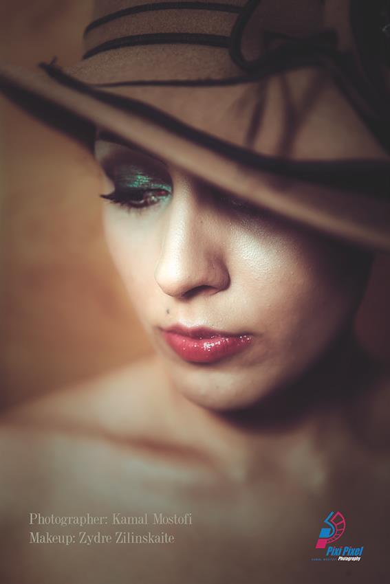 zyzi makeup zydre zilinskaite green eyeshadow woman editorial