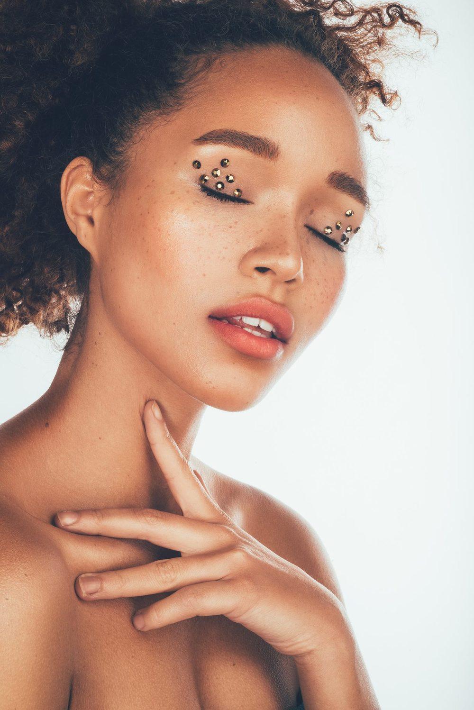 Photographer Ugne Pouwell, Model Lulu Stone, makeup artist Zydre Zilinskaite.jpg