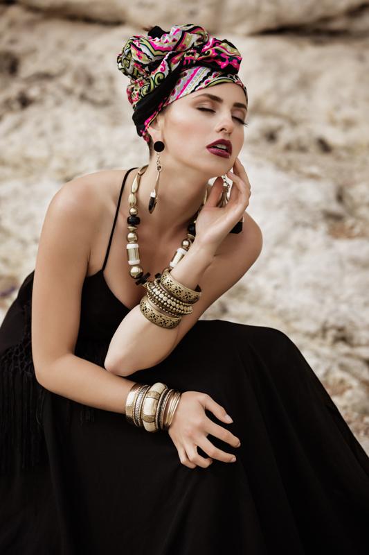 Zydre Zi Kamal Mostofi durdle door fashion editorial photoshoot beach (18).jpg