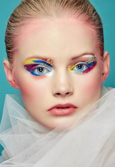 K14_3267-416-Kamal Mostofi-Tropical_Zyzi Makeup_Karolina.jpg