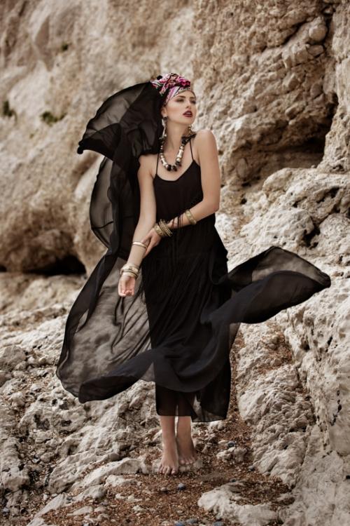 Zydre Zi Kamal Mostofi durdle door fashion editorial photoshoot beach (17).jpg