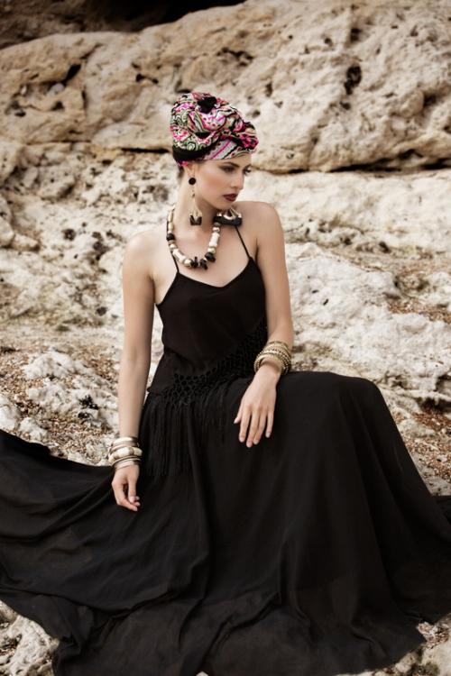 Zydre Zi Kamal Mostofi durdle door fashion editorial photoshoot beach (19).jpg