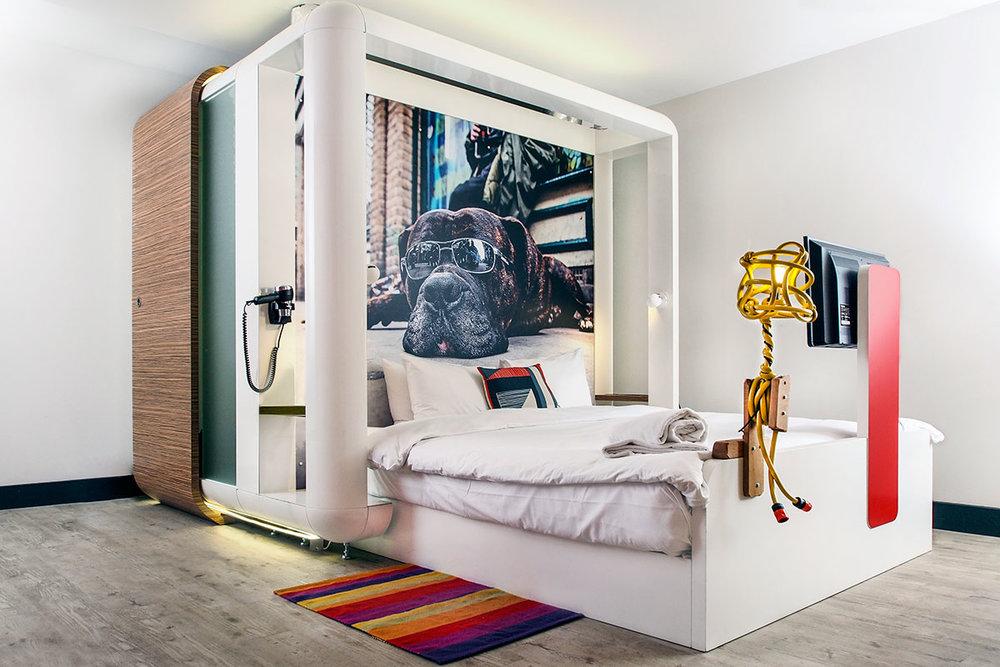 qbic-hotel-bed-01.jpg