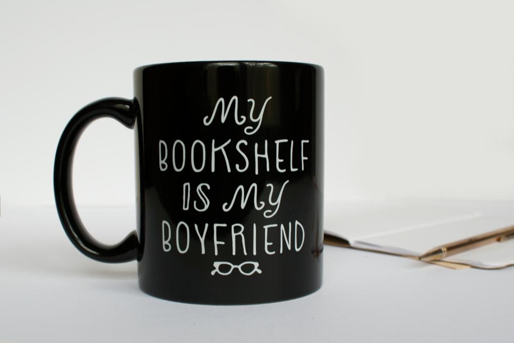 Mug_bookshelf_2_1500.png