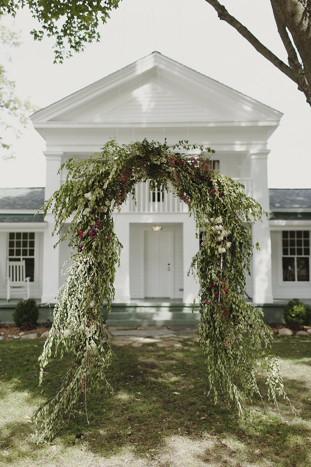 Cornman-farms-wedding-arch