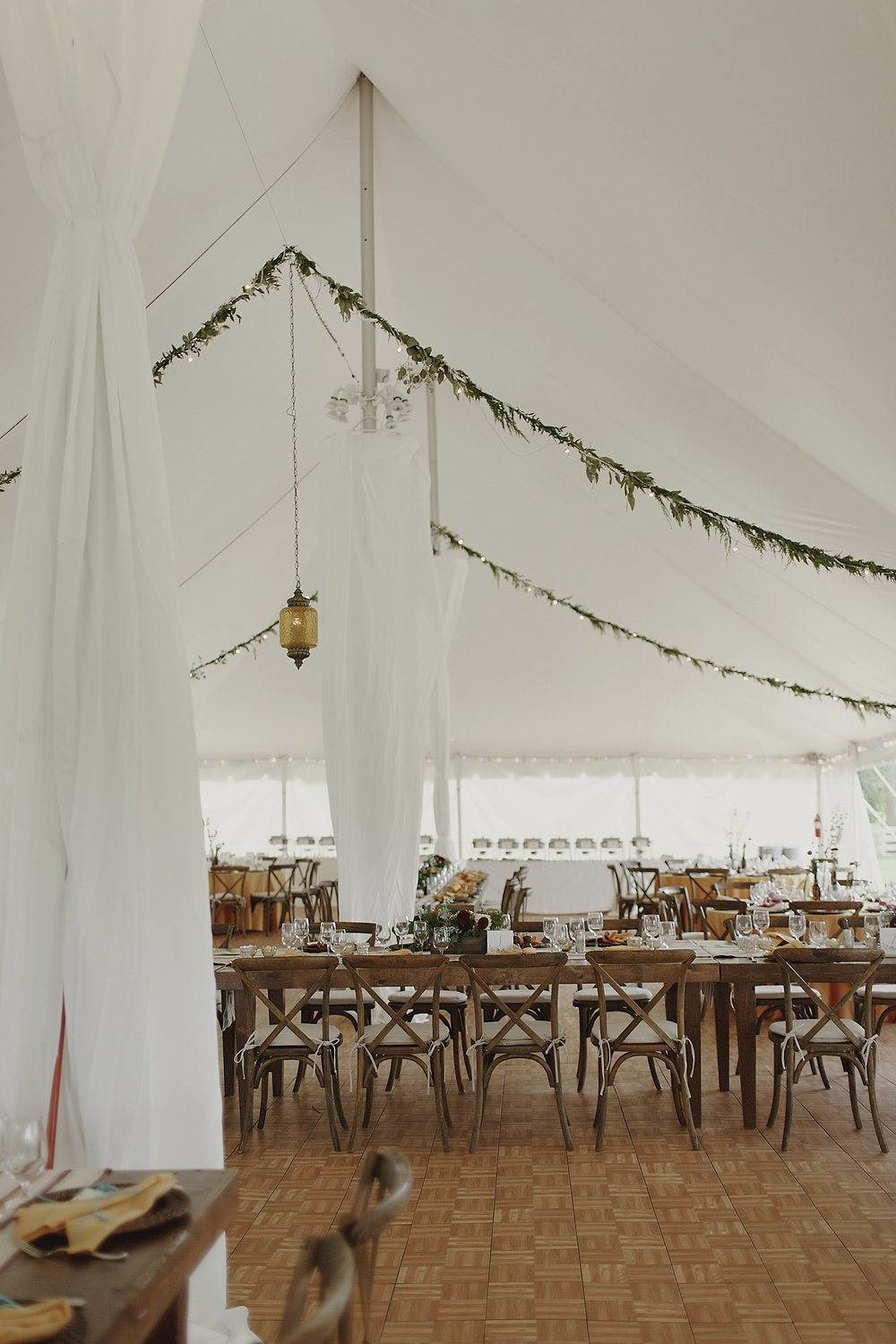 wedding-tent-garland-lanterns