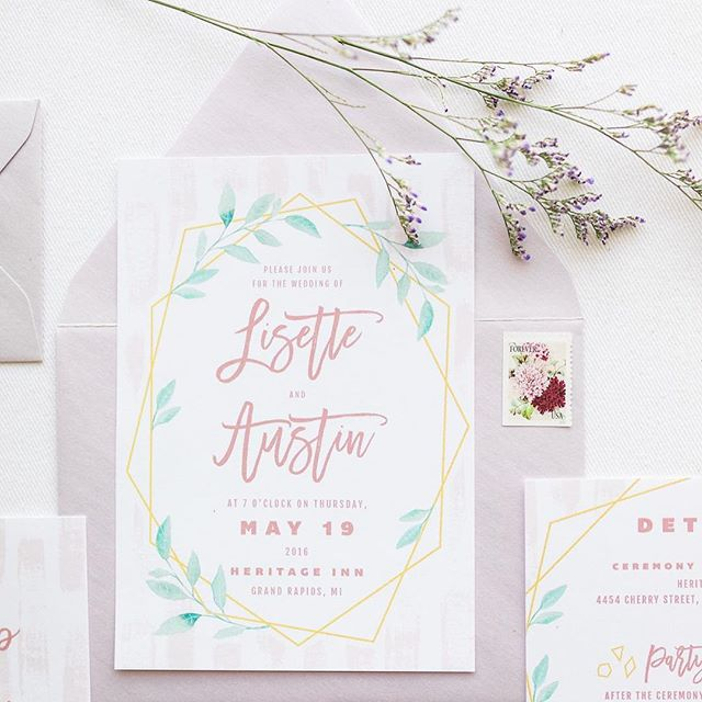 soft and pretty color palette for the Brushy Geo invitations #brushygeoabw bit.ly/Brushy Geo . . .⠀ ⠀ Laurenda Marie Photography:  @laurendamariephotography⠀ Forever and A Day Events and Design:  @foreverandadayevent⠀ The Rental Company:  @wmrentalco⠀ Gigi & LaClede Vintage Dish Rentals:  @gigiandlaclede⠀ Krystle Waivio Hair:  @krystlewaiviohair⠀ Wonderfully Made Beauty:  @wonderfullymademakeup⠀ With Love Cupcakes and Cakes:  @withlove.cupcakesandcakes⠀ Stationery:  @alisabobzienwedding⠀ Models:  @elle_bowman and @tseason22⠀ Dress and Accessories:  @alinicolebridal⠀
