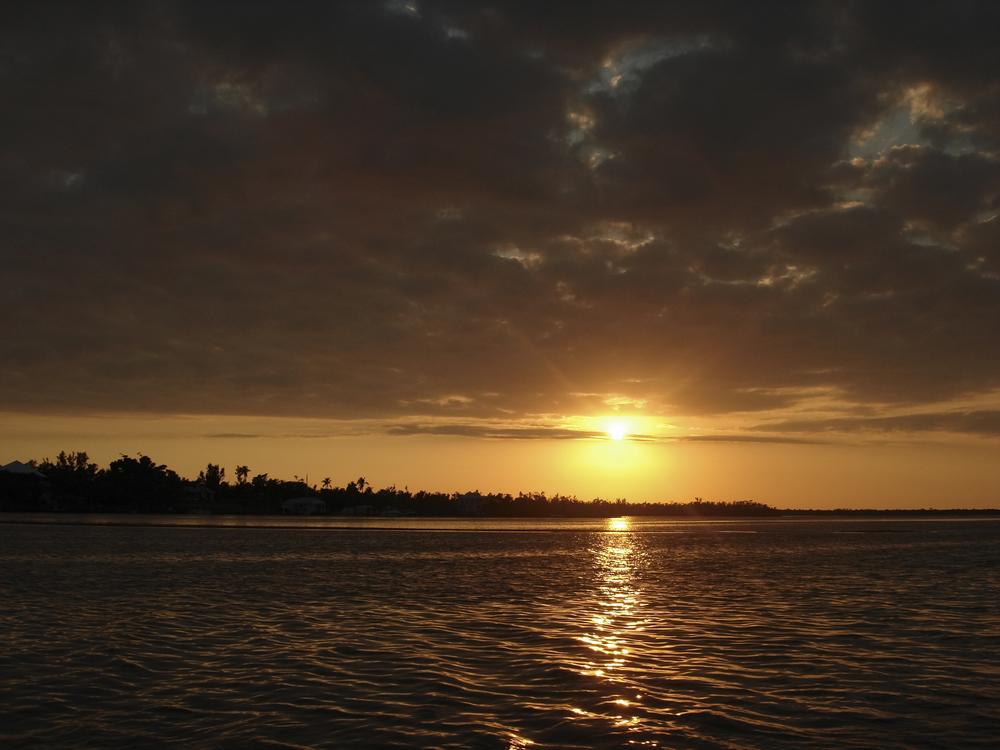 NE_SunsetSkyline_001.jpg