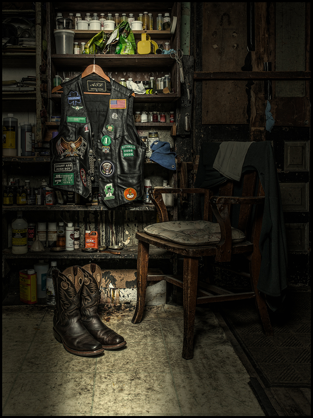 Vest_boots_chair-72.jpg