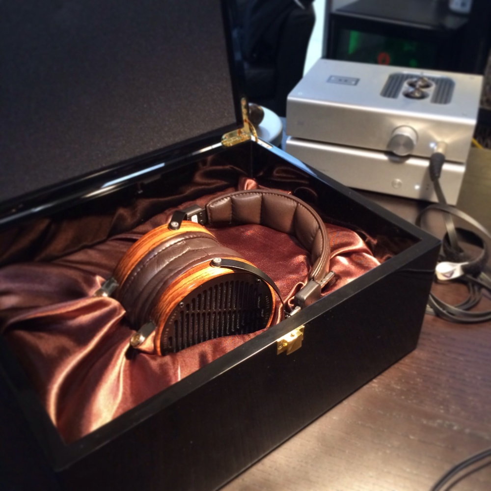 The  Audeze LCD-3 show case. (CRAZY)