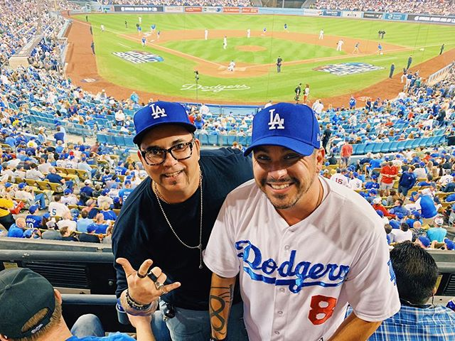 @weareanyone in the building!!! #dowhatyoulove #worldseries #letsgododgers