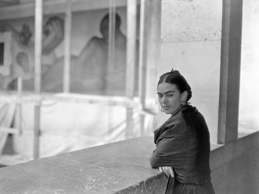 –photo of FRIDA KAHLO