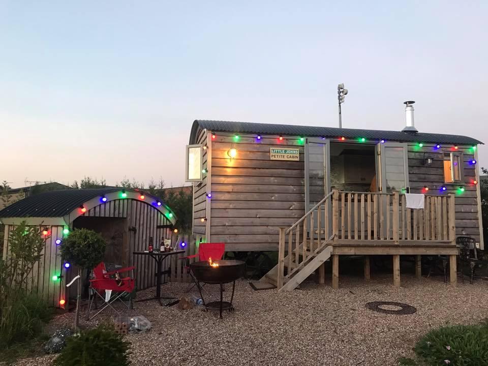 Cosy Cabin.jpg