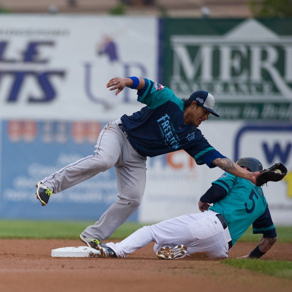 Nikon D3s f/2.8 1/1000 ISO 400 300mm   Action at 2nd base during the Independent League All Star Game