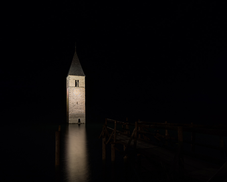 Drowned Village at Night  (Italy, 2014)