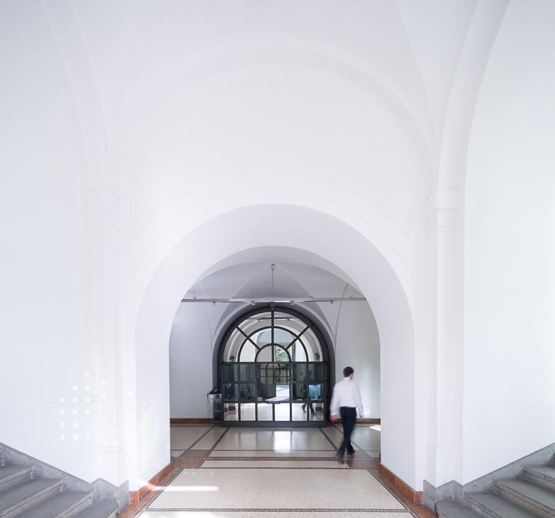 Eingangsbereich mit Wache I