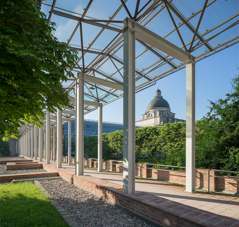 Gartenfront mit Renaissancearkadengang II
