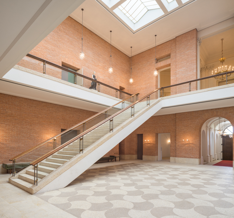 Prinz Carl Palais – Eingangsbereich