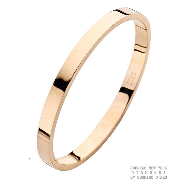 A MUST HAVE CLASSIC 18K GOLD #BRACELET IN STOCK !!! A BASIC AND SIMPLE  CHIC STYLE THAT NEVER GOES OUT OF STYLE  IS AVAILABLE IS ROSE GOLD / WHITE GOLD / AND WHITE GOLD MORE INFO RODRIGO@RODRIGONEWYORK.COM #RODRIGOOTAZU #RODRIGONEWYORKBRAND #18KGOLD #ROSEGOLD #YELLOWGOLD #WHITEGOLD