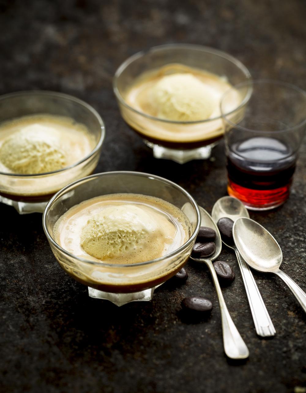 DAQUOISE AU CAFE CHOCOLAT.jpg