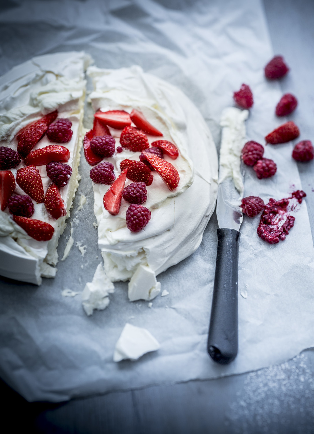PAVLOVA FRUITS ROUGES.jpg