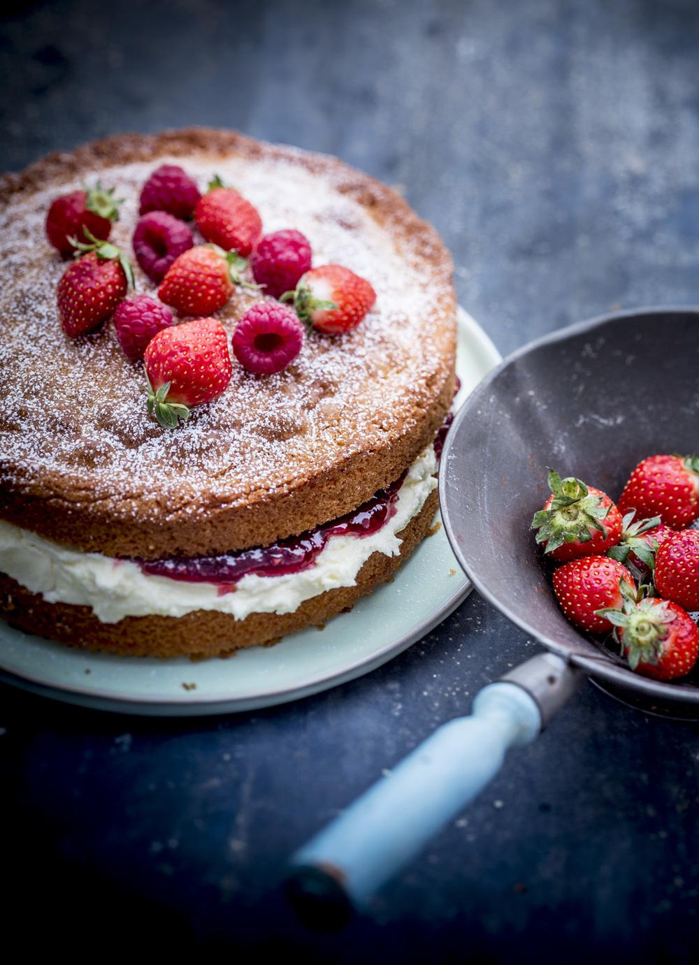 VICTORIA SPONGE CAKE RESHOOT.jpg