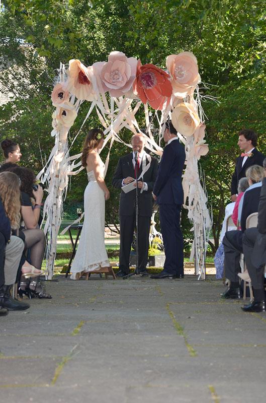 (wedding arch)