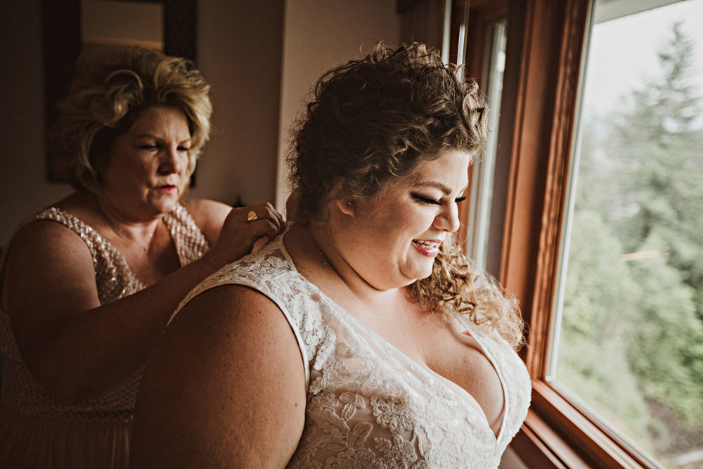 31bridegettingready.jpg