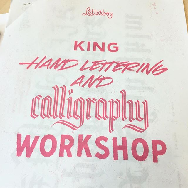 Having a good time talking about letters together with @letter_boy #lettering #calligraphy