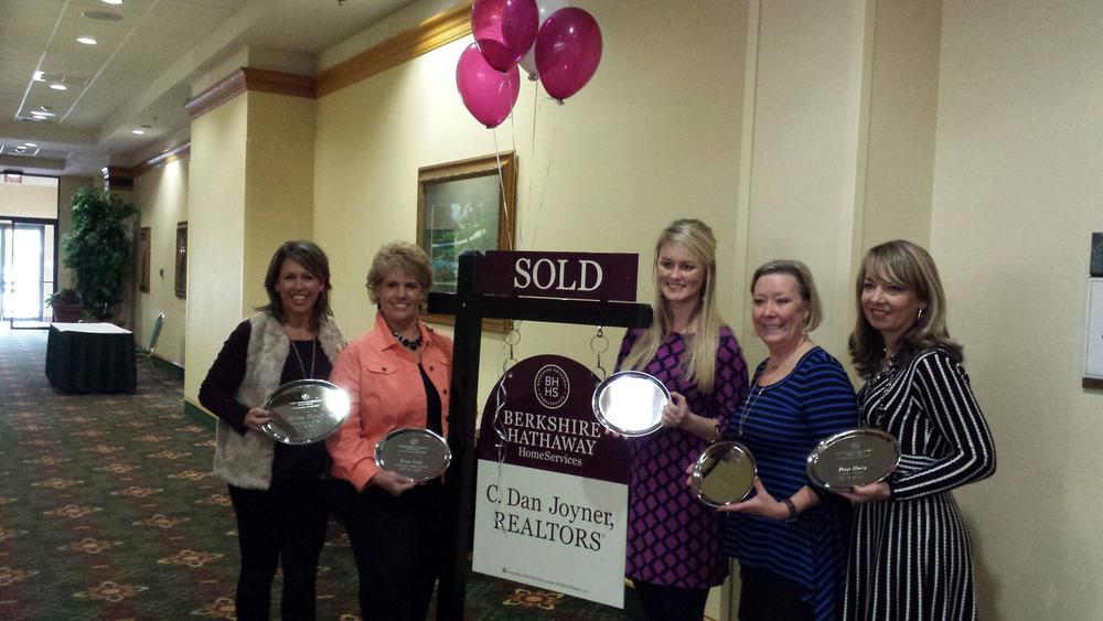 From left to right: Melissa Morrell, Ronda Holder, Maggie Aiken, Beth Crigler, Paige Haney