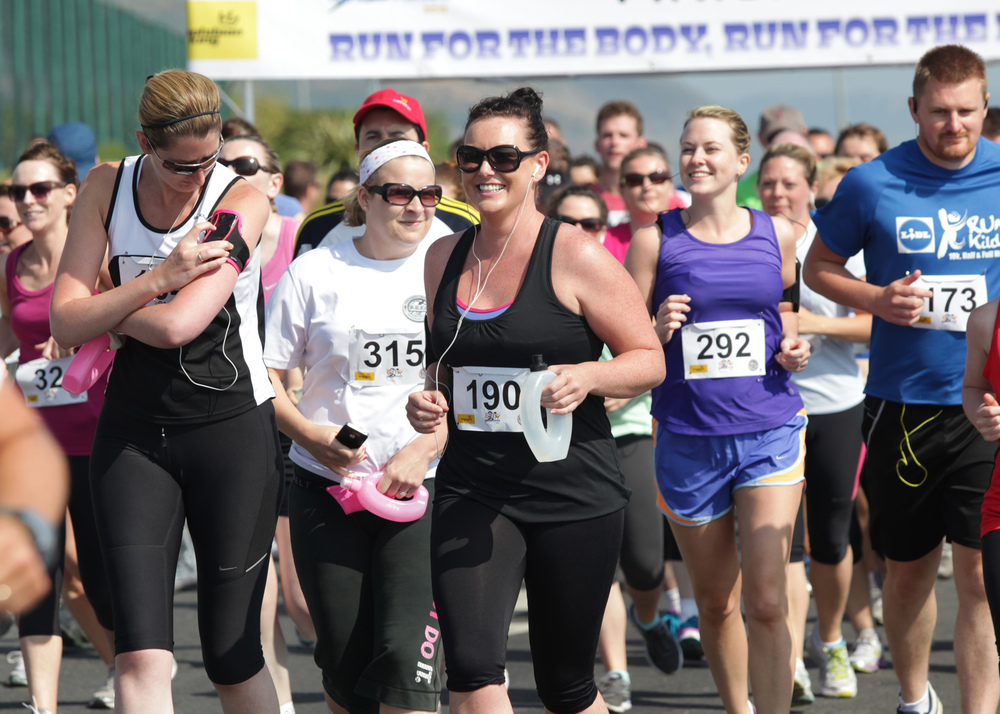 Delgany Running Club G10K around Greystones: Gillian Littlefield smiling at the starting line