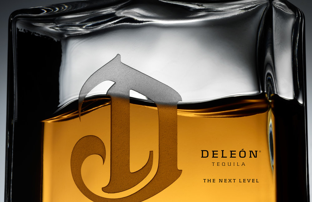 DELEON_LuxuryPrint_Spread_ERICA6.jpg