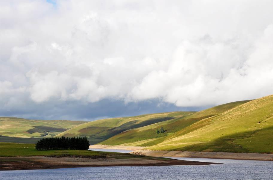 Wales-Elan-valley-cluster-o.jpg