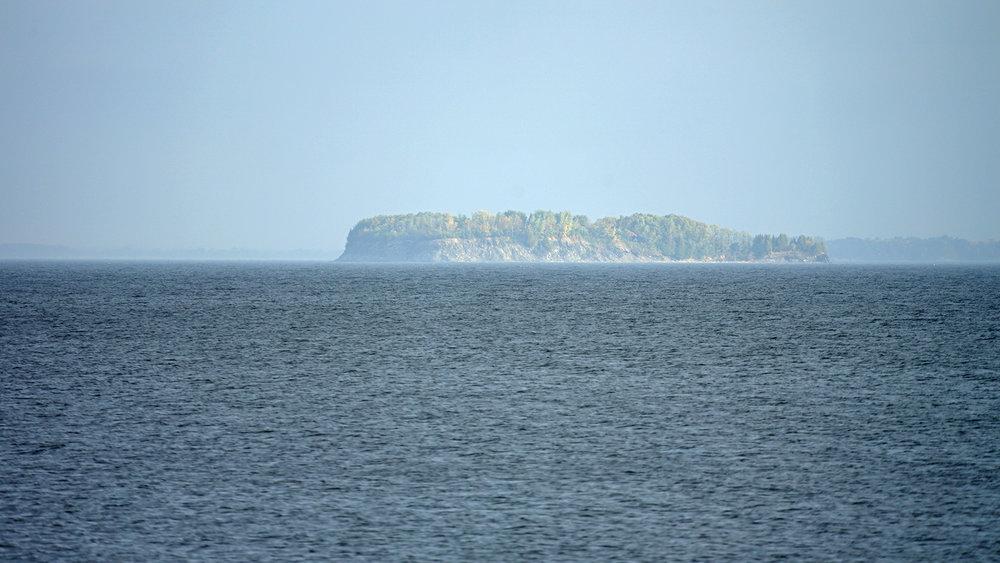 island-w.jpg