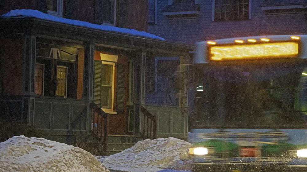 housebus-w.jpg